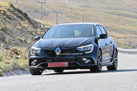 小改款Renault Megane RS 歐陸山區測試中