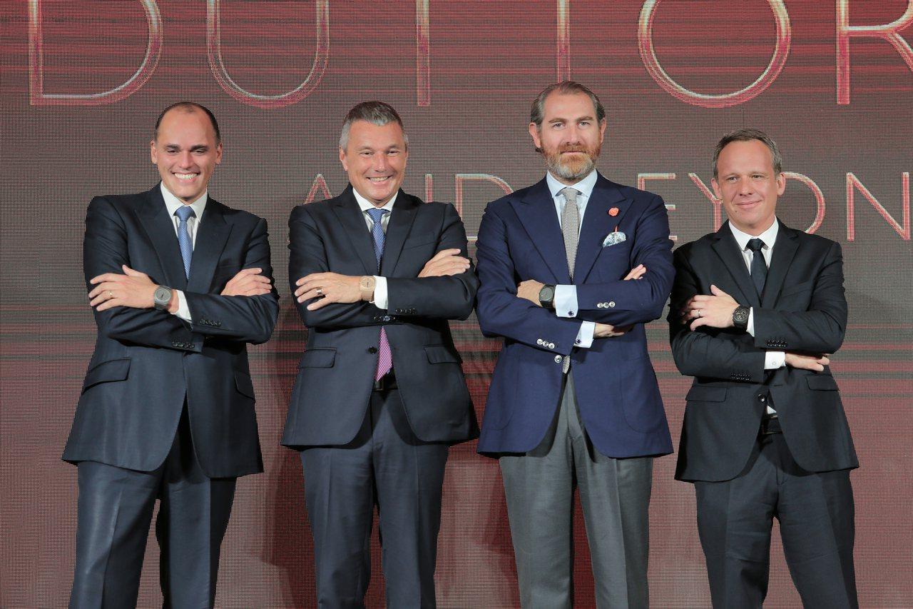 (左起)寶格麗腕表事業部董事總經理Antoine Pin、全球總裁Jean Ch...