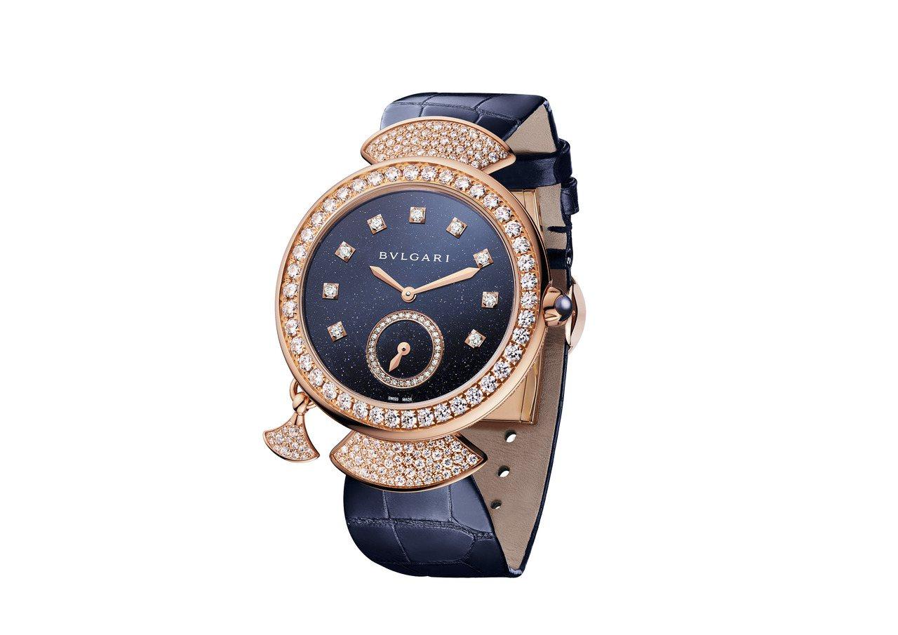 寶格麗Divas Dream超薄三問腕表,18K玫瑰金表殼搭配砂金石表盤,全球限...