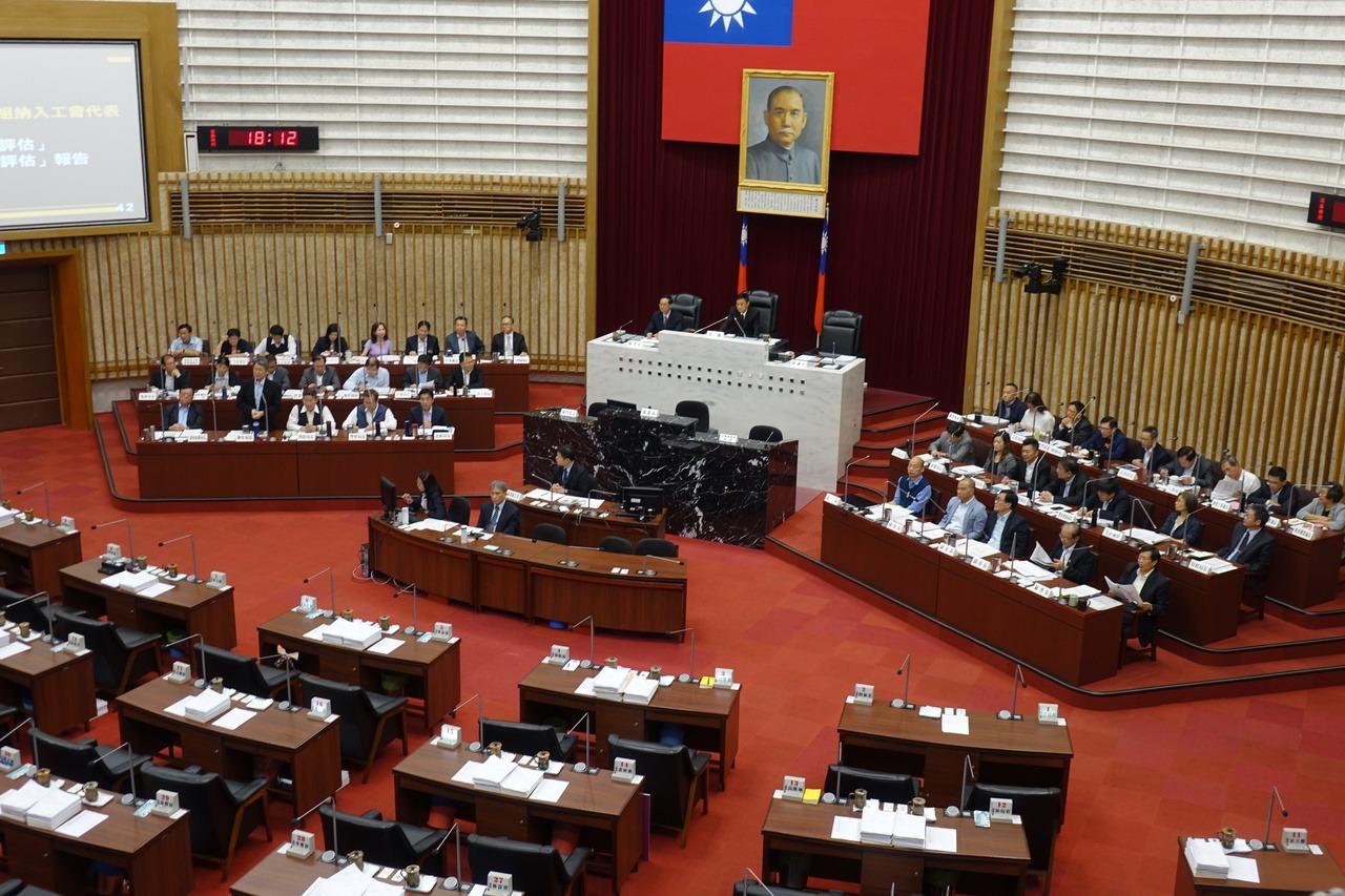 韓國瑜明施政報告 高市議員要質詢須抽籤拚運氣 | 聯合新聞網