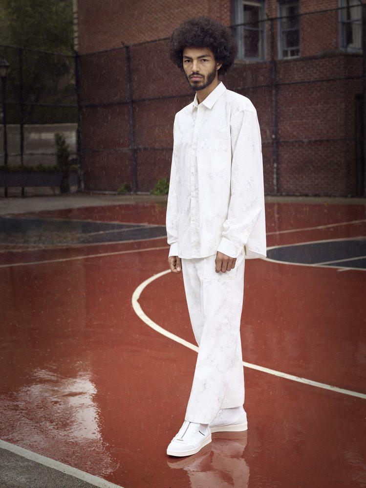 肯爺好友及髮型師的 Ibn Jasper與 Converse合作推出聯名鞋款。圖...
