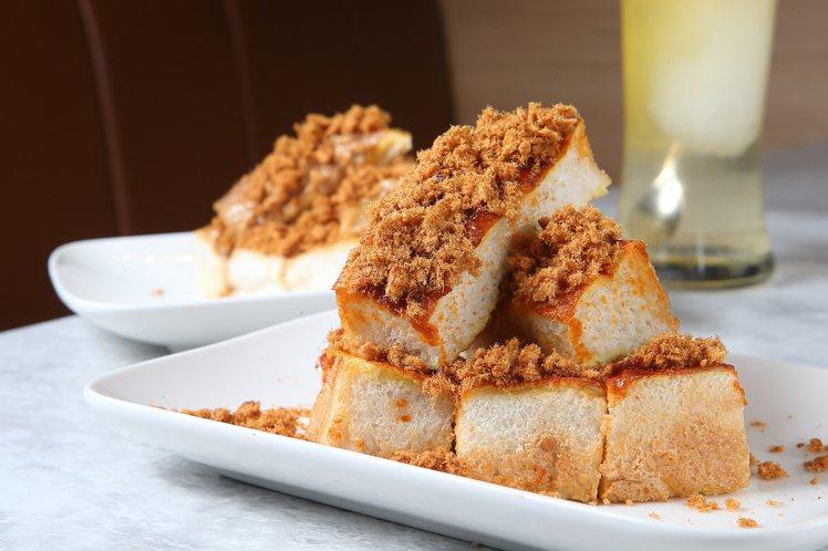 海南麵包為主體的「爸爸海南多士+花生醬與原味雞絲」、「爸爸海南多士+參峇醬與辣味...