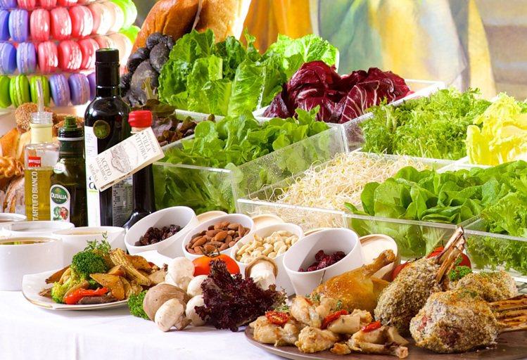 看準熟齡族商機,選用成本較高的台灣在地小農鮮蔬入菜。圖/神旺飯店提供