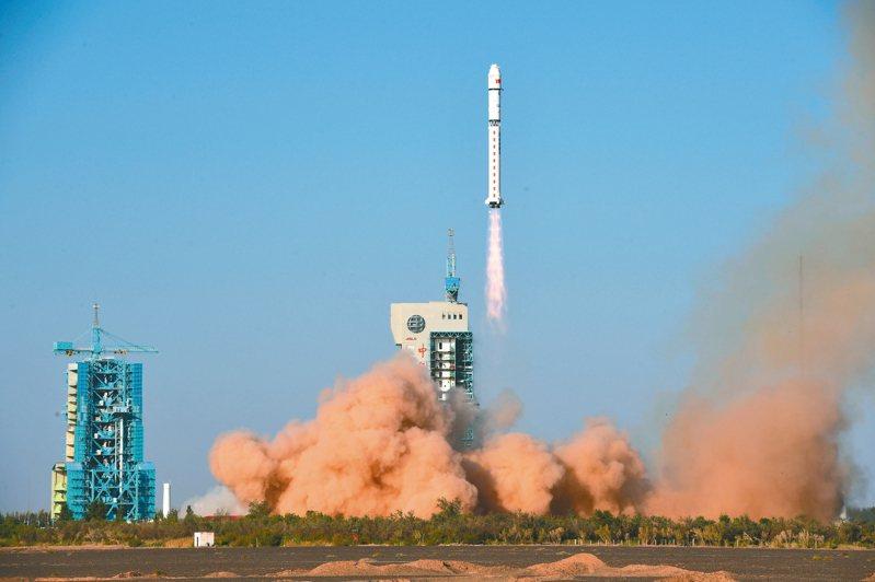 圖為長征二號丁運載火箭資料照。 中新社
