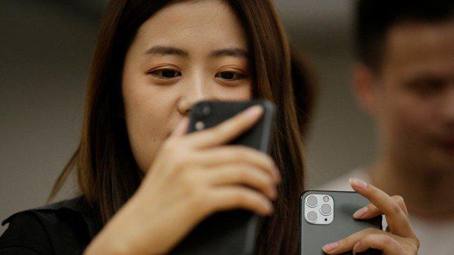 iPhone 11的真正考驗是未來幾月是否能持續吸引大陸消費者。路透