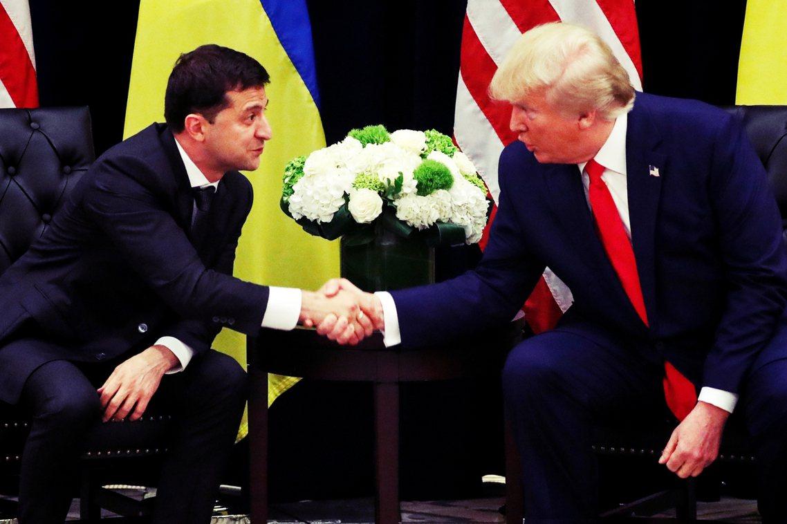 川普向澤倫斯基不斷重複,自己對於拜登家族的貪腐傳聞非常在意,並要求烏克蘭總統聯絡...