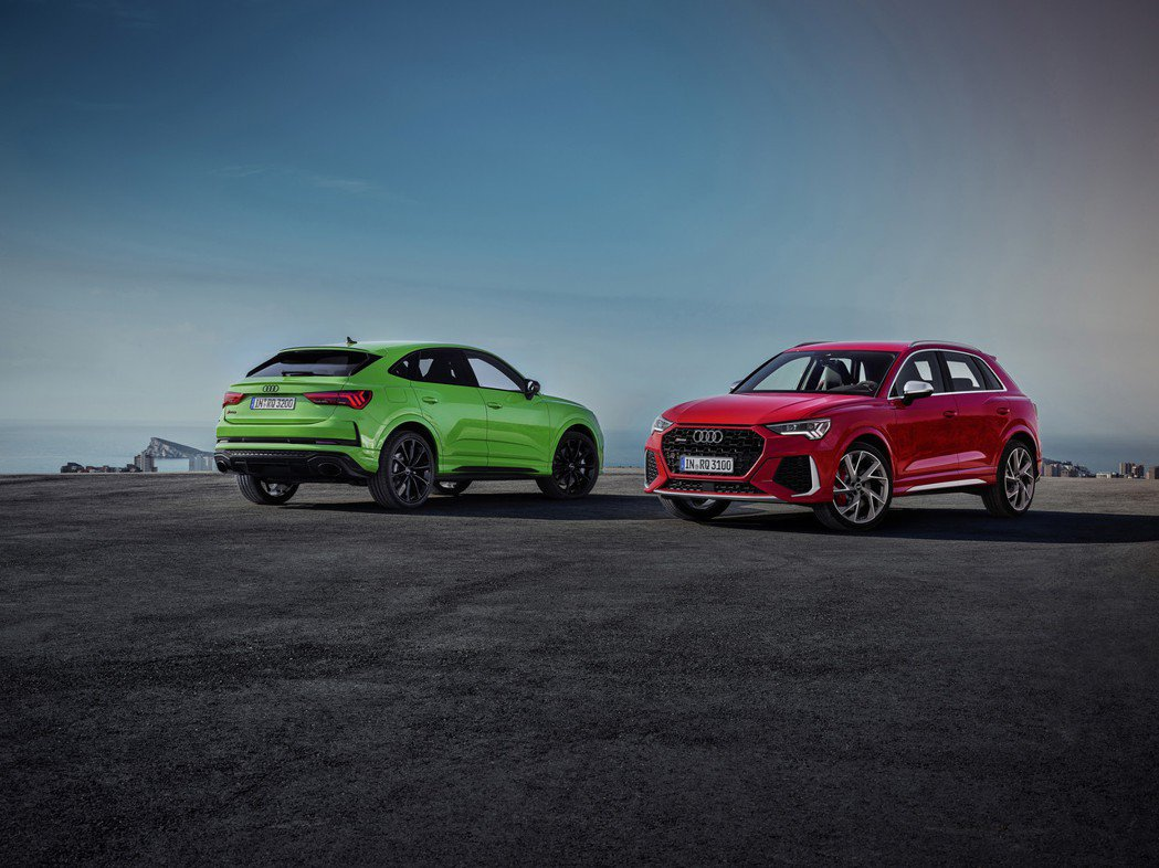 全新Audi RS Q3 (圖右)、RS Q3 Sportback (圖左) 在...