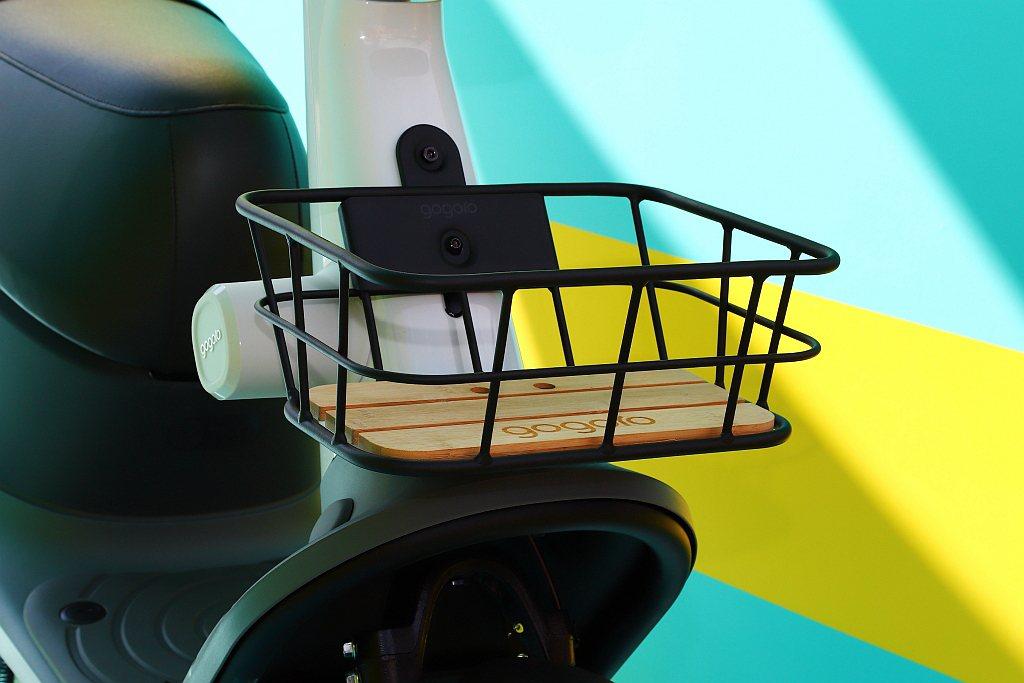 輕量化鋁合金前置物籃。 記者張振群/攝影