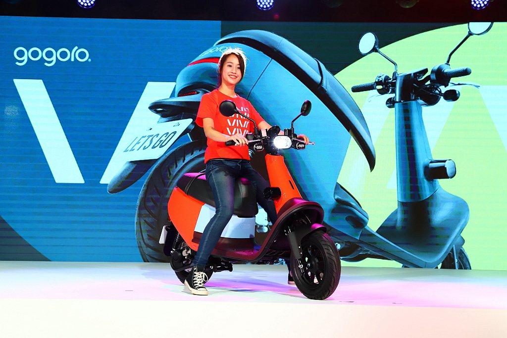 Gogoro VIVA承襲品牌一貫的創新基因,設計核心是車身輕巧、空間靈活、造型...