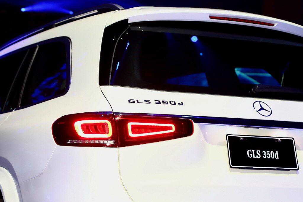 全新賓士GLS 350d 4MATIC動力搭載代號OM 656的3.0L直列六缸...