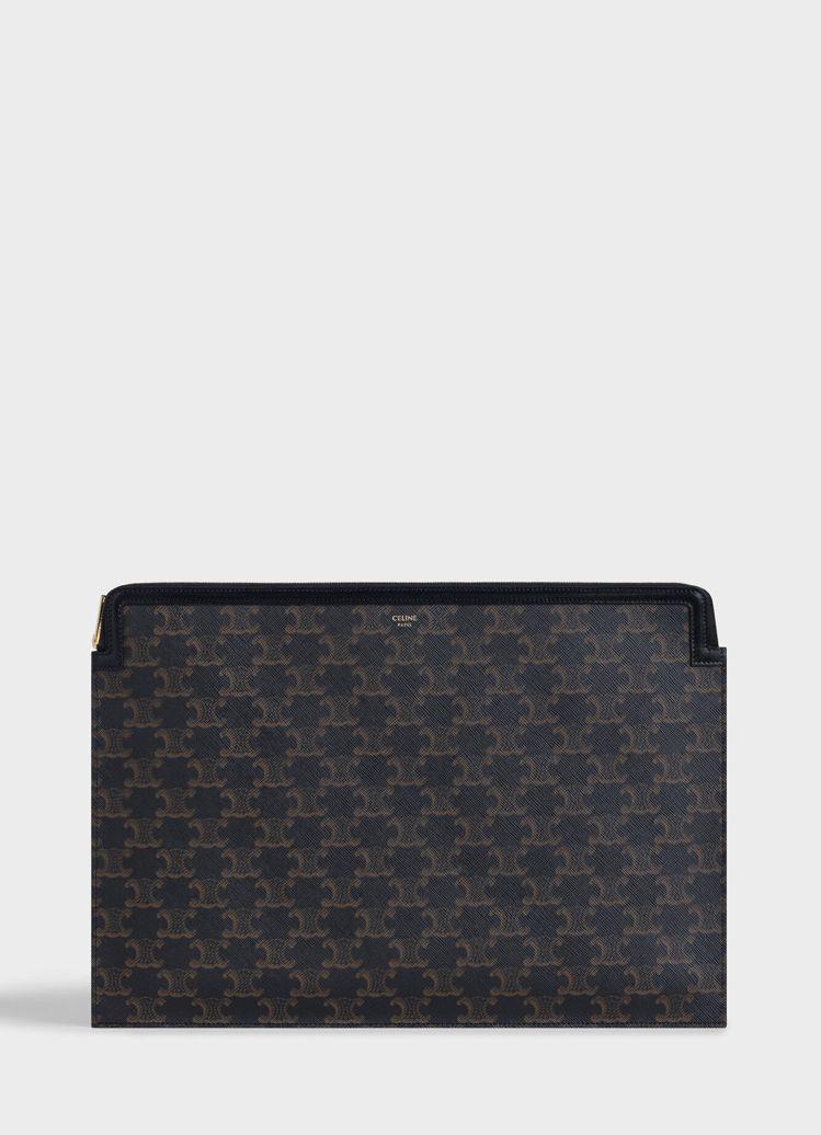 TRIOMPHE CANVAS黝黑色經典花紋帆布小牛皮手拿包,售價24,500元...