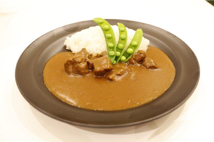 東急澀谷藍塔大飯店原創咖哩牛肉飯,230元。圖/新光三越提供