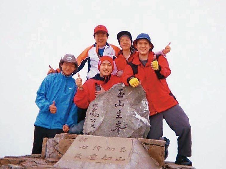 2005年時,葉金川和妻子及3名兒子一同登上玉山,作為父親節禮物,這次是他認為歷...