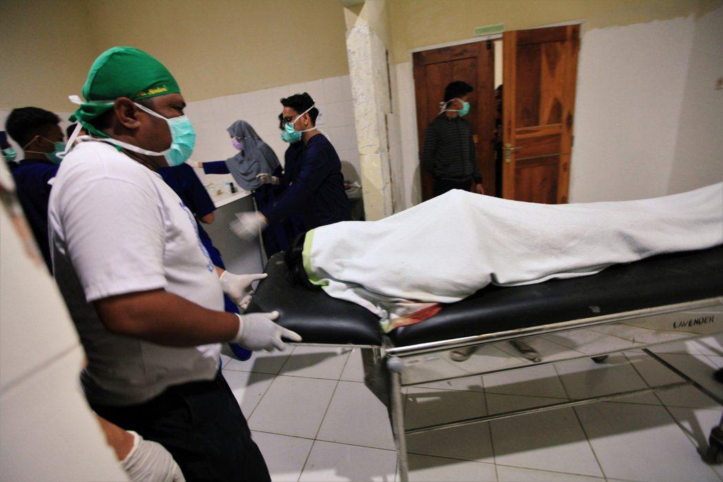 根據《法新社》報導,26日經蘇拉威西島(Sulawesi)醫院以及當地省長證實,...