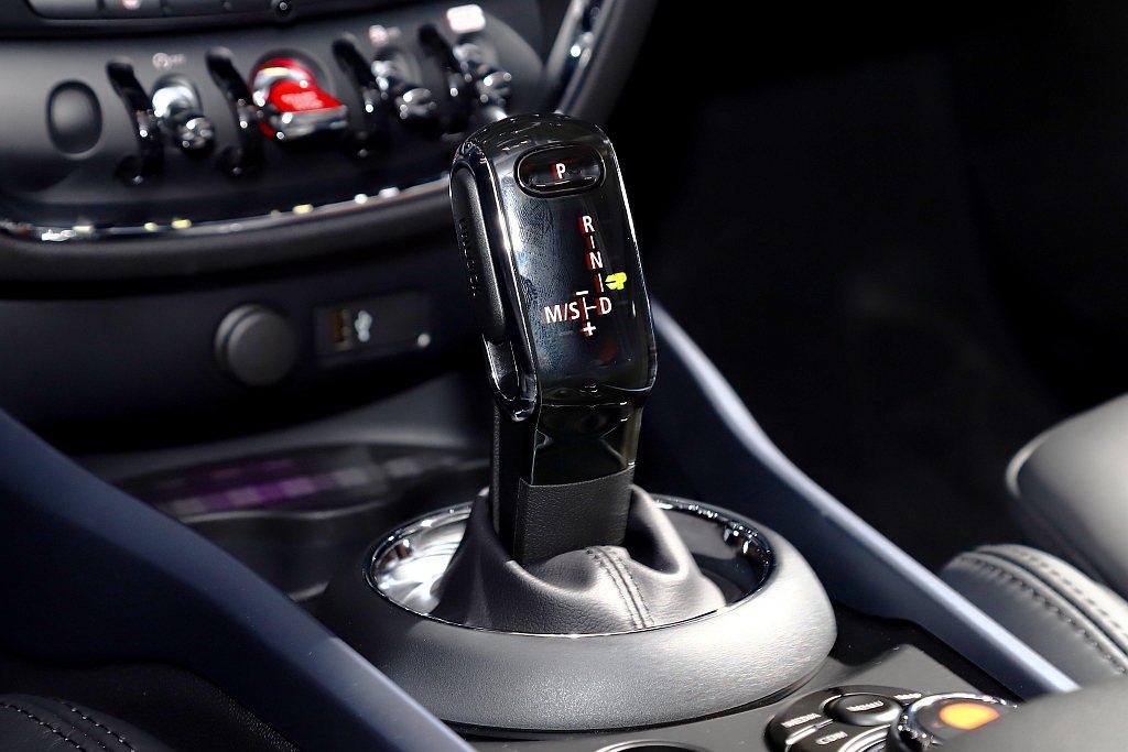 小改款MINI Clubman Cooper與Cooper S車型全面升級搭載S...