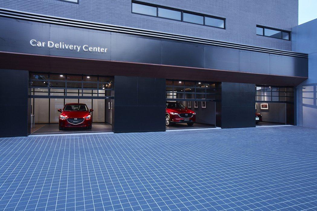 南台中旗艦據點特別打造了3間交車室,藉由精緻質感的元素以及細膩貼心的服務品質,使...