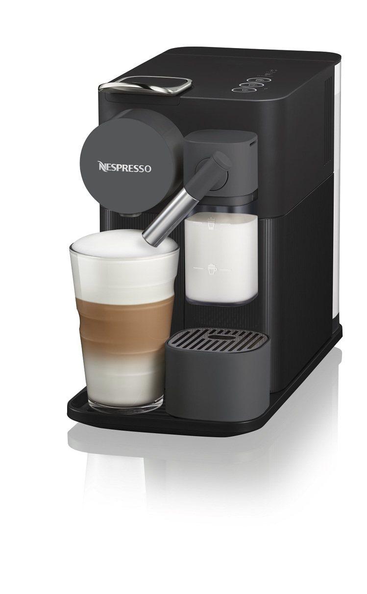 momo購物網獨家首賣Nespresso新色Lattissima One曜石黑膠...