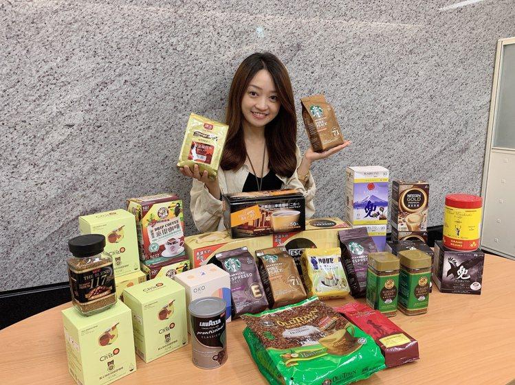momo購物網首度舉辦「咖啡大賞」,即日起至10月6日25大品牌精選商品買1送1...