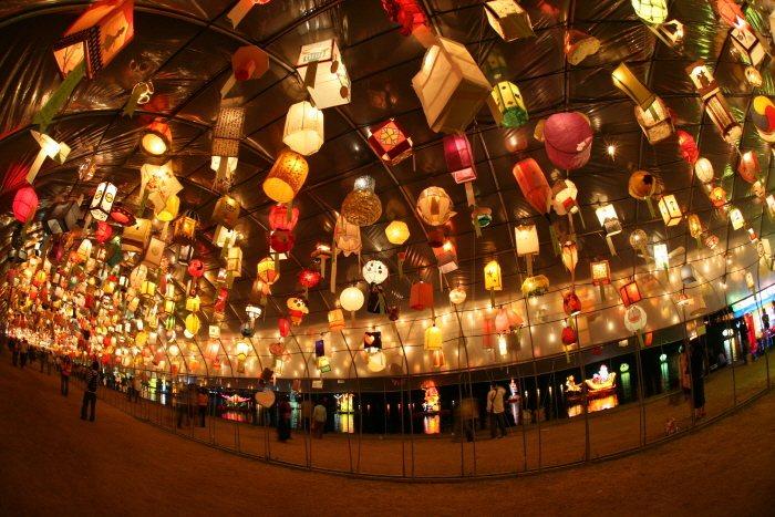 活動中也可看見花燈隧道。圖/取自韓國觀光公社官網