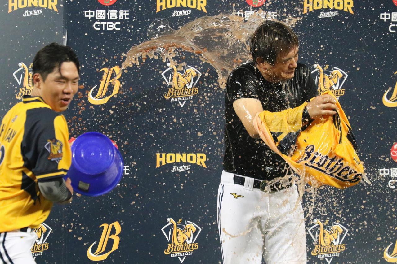 彭政閔(右)與詹子賢,恰恰與隊友有著好交情。 報系資料照