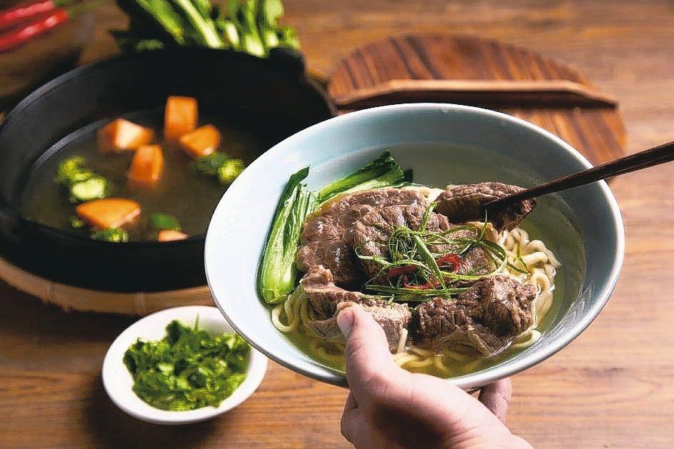 阿牛師的清燉牛肉麵連獲2013年、2014年台北牛肉麵評比冠軍。兆紅集團/提供