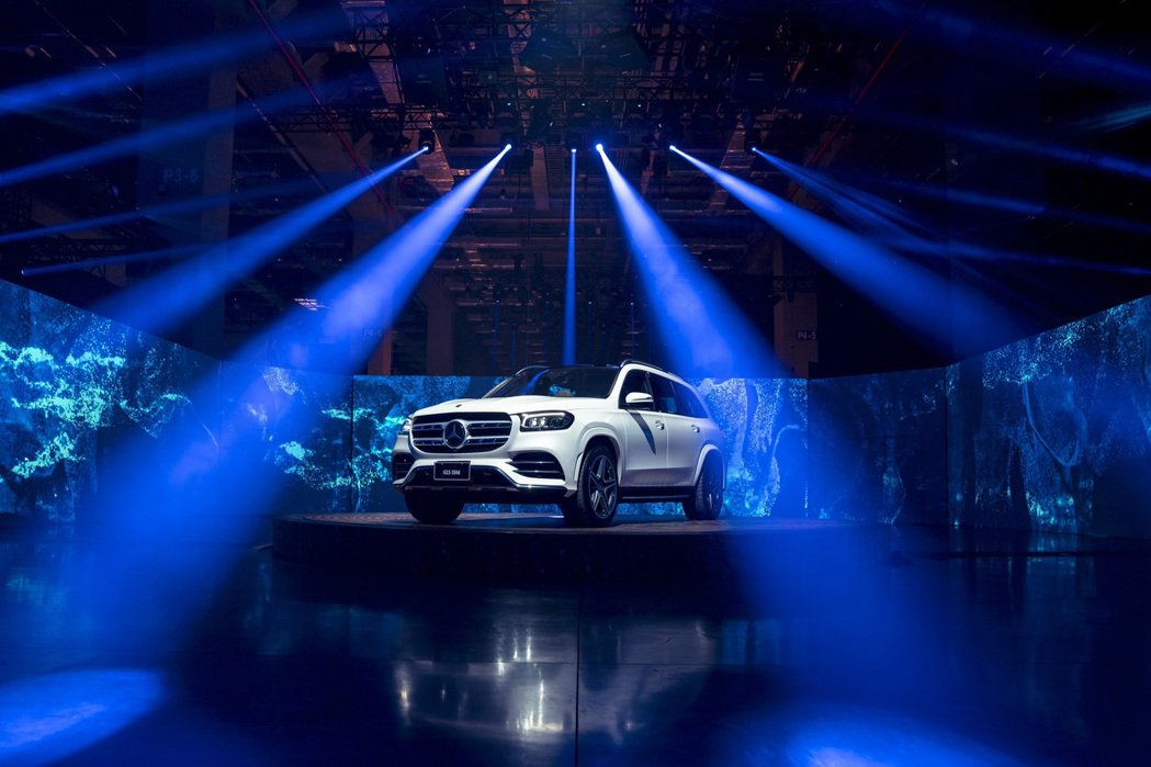 The new Mercedes-Benz GLS「心無界 力無疆」,展現大器與...