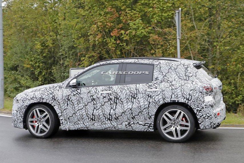 新一代Mercedes-AMG GLA45偽裝現身 單挑Audi RS Q3