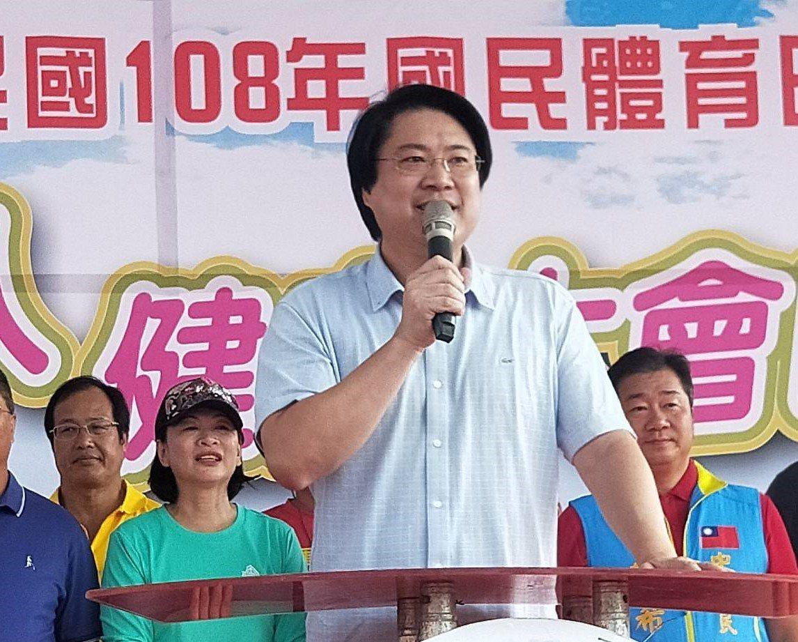 颱風米塔生成,基隆市長林右昌法國考察明提前返台坐鎮。記者游明煌/攝影