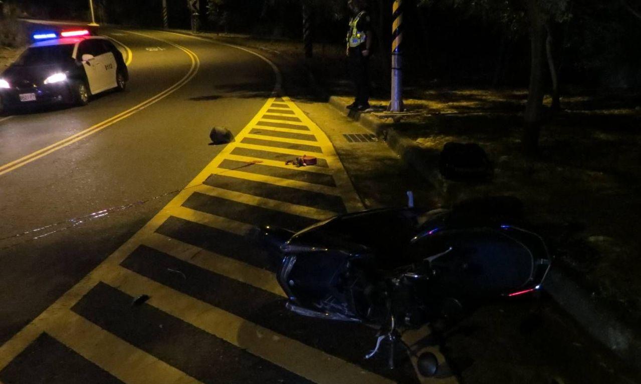 台中市知名賞夜景山路「藍色公路」大肚區華南路今天凌晨1點20分,發生2名女大學生...