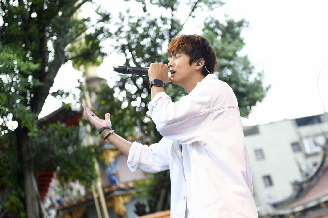 許書豪今天教師節於臺北孔廟開唱,透露從體操課學會人生道理。圖/新視紀整合行銷提供
