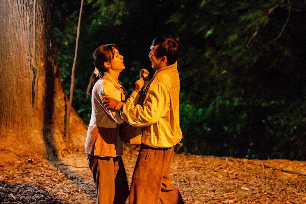 林玟誼在戲中一場加班回家路上,險遭尾隨的工人侵犯。圖/公視提供