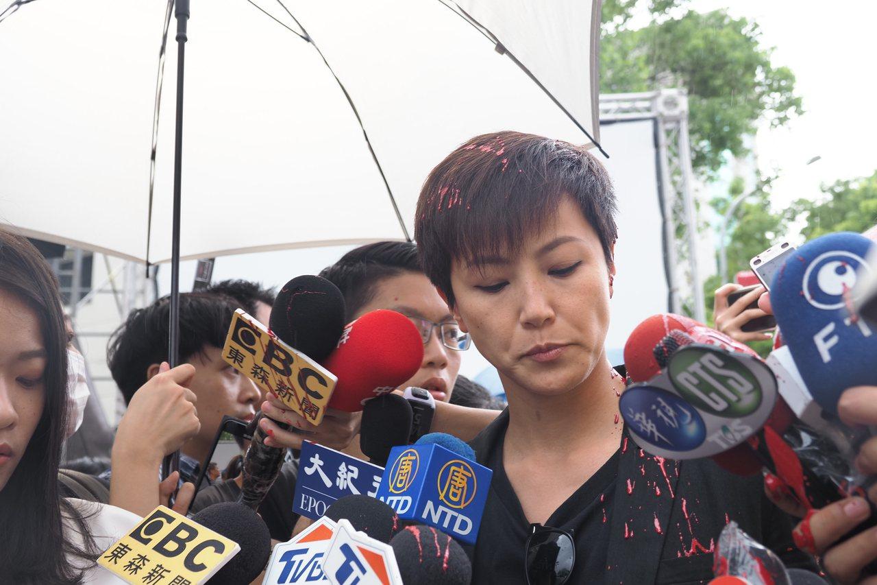 民間社團、學生、在台港生等團體今天舉辦「台港大遊行:撐港反極權」活動,出席的香港...