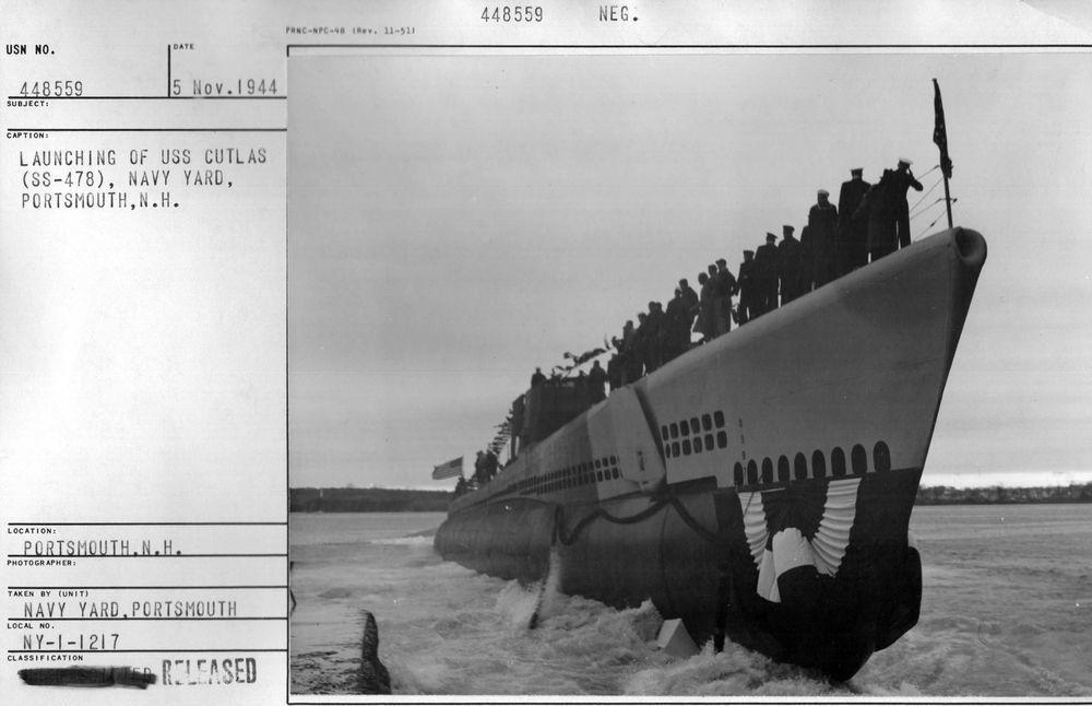 1944年11月15日,帶魚號潛艦的下水典禮,船身形狀還類似一般船隻。圖/美國海...