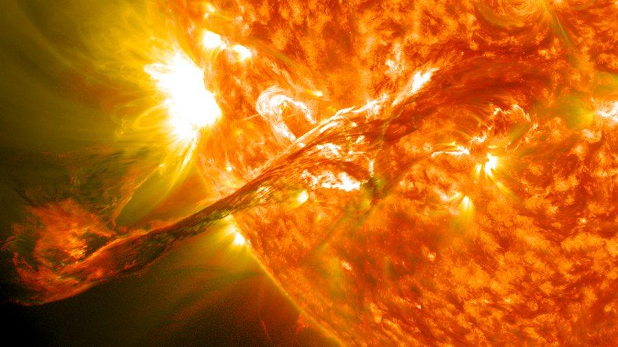 太陽風暴釋放出帶電粒子群,將為地球電網及高科技儀器帶來災難。(photo by ...