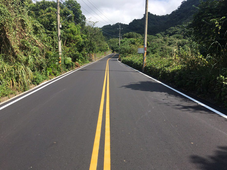 新社通往太平的南華路,逾5.1公里完成路平。圖/建設局提供