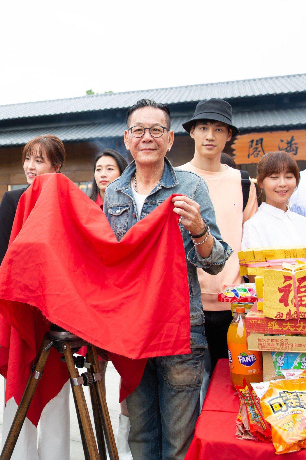 龍劭華出席新戲「美味滿閣」開鏡儀式。圖/東森提供