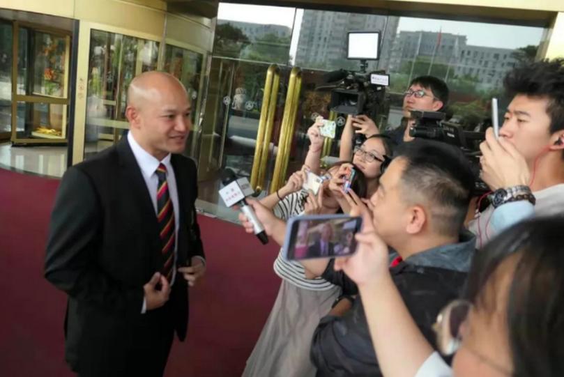 在葵涌警署向反送中遊行民眾舉槍的劉澤基說表示,到了北京感覺很興奮。(星島網)