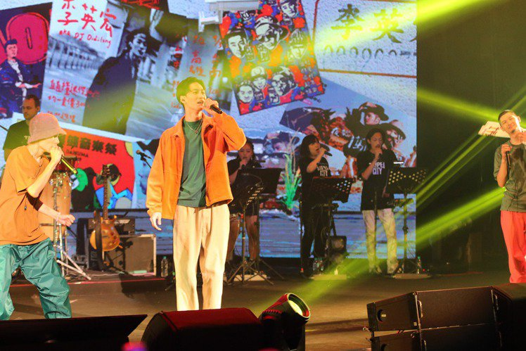 金曲歌王Leo王及搭檔春艷所組成的「夜貓組」首次在TICC台北國際會議中心舉辦演唱會,藝人嘉賓金曲歌王翁立友、李英宏、蛋堡、國蛋、DELA、9M88一連串登場助攻,同台聯手玩嘻哈嗨翻TICC!