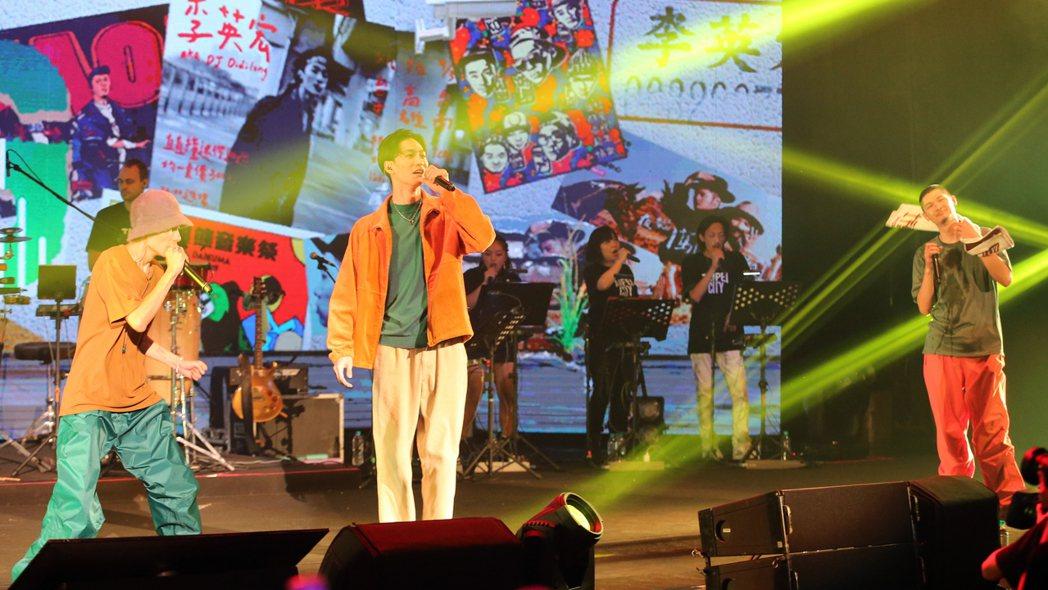 金曲歌王Leo王(右)及搭檔春艷(左)所組成的「夜貓組」首次在TICC台北國際會