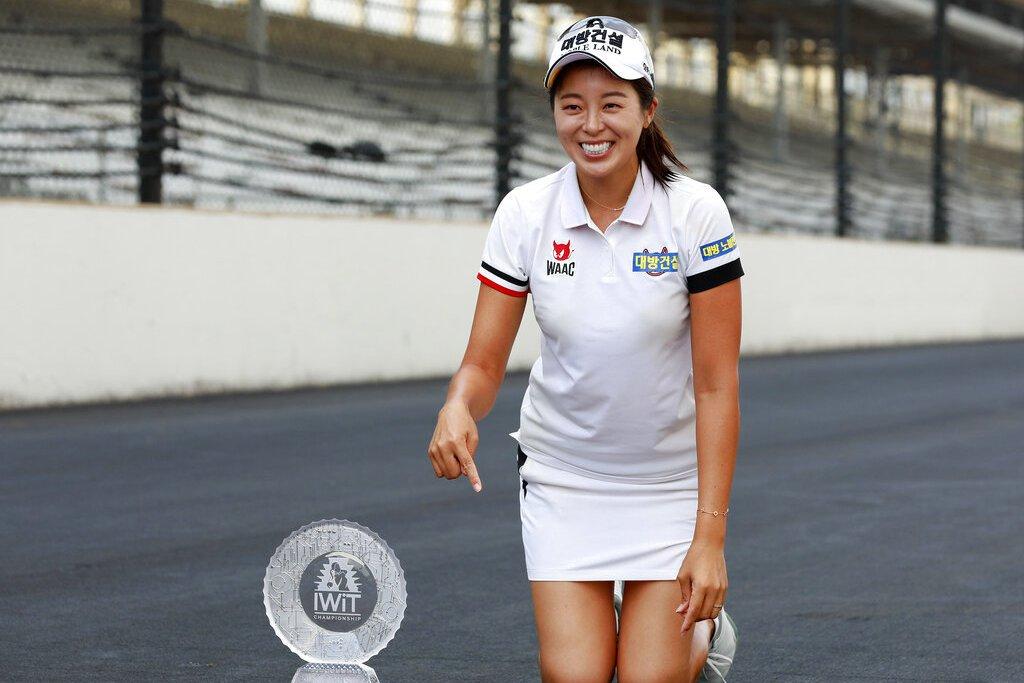 南韓好手許美貞持續穩紮穩打,收下生涯第四座LPGA金盃,並抱回冠軍獎金30萬美元...