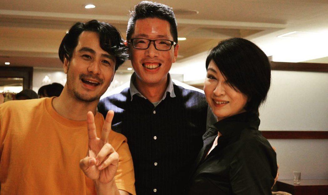 郭彥甫(左)與楊林(右)在聚會中巧遇合照。 圖/擷自郭彥甫臉書