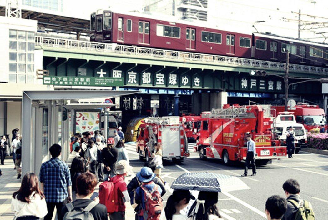 全日本的「危險巴士站」(危険なバス停),在16個都道府縣之中,居然高達441處以...