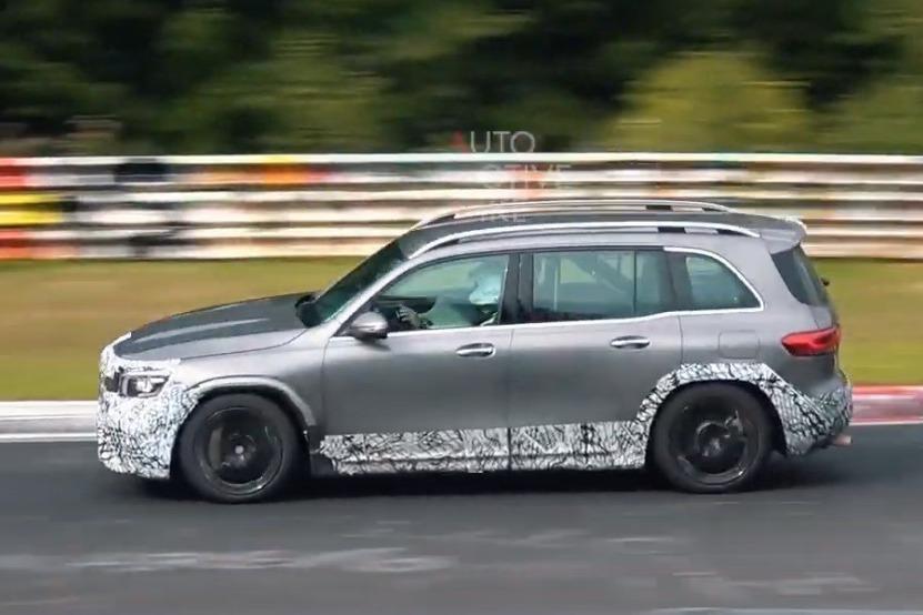 影/全新Mercedes-AMG GLB45紐伯林出沒 補齊性能休旅陣線!