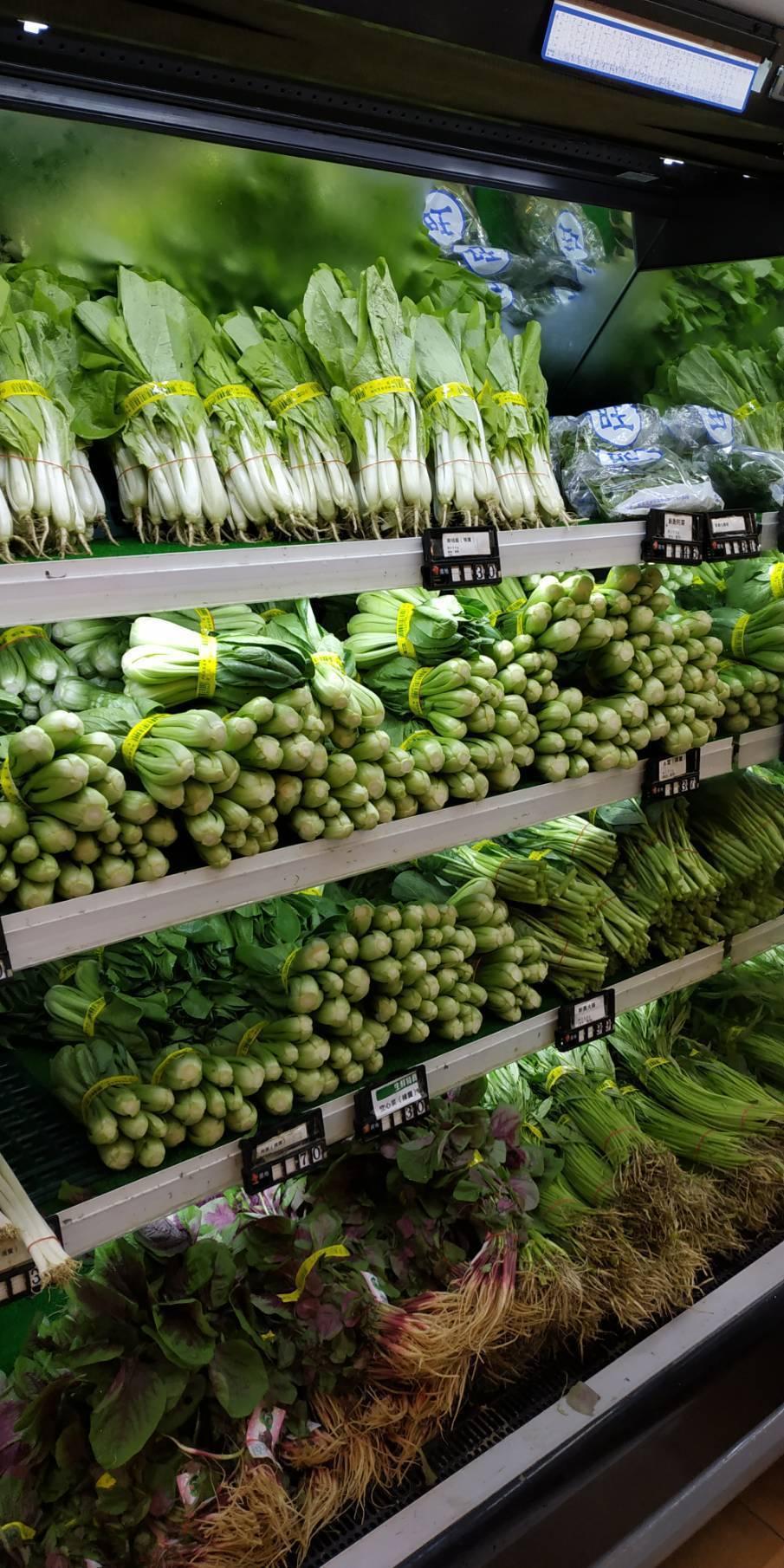 因應颱風來襲,全聯提高蔬菜備貨量,今早部份門市已出現掃貨潮。圖/全聯提供