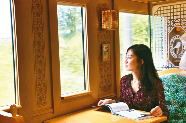 到日本一定要體驗鐵道之旅。 記者魏妤庭/攝影