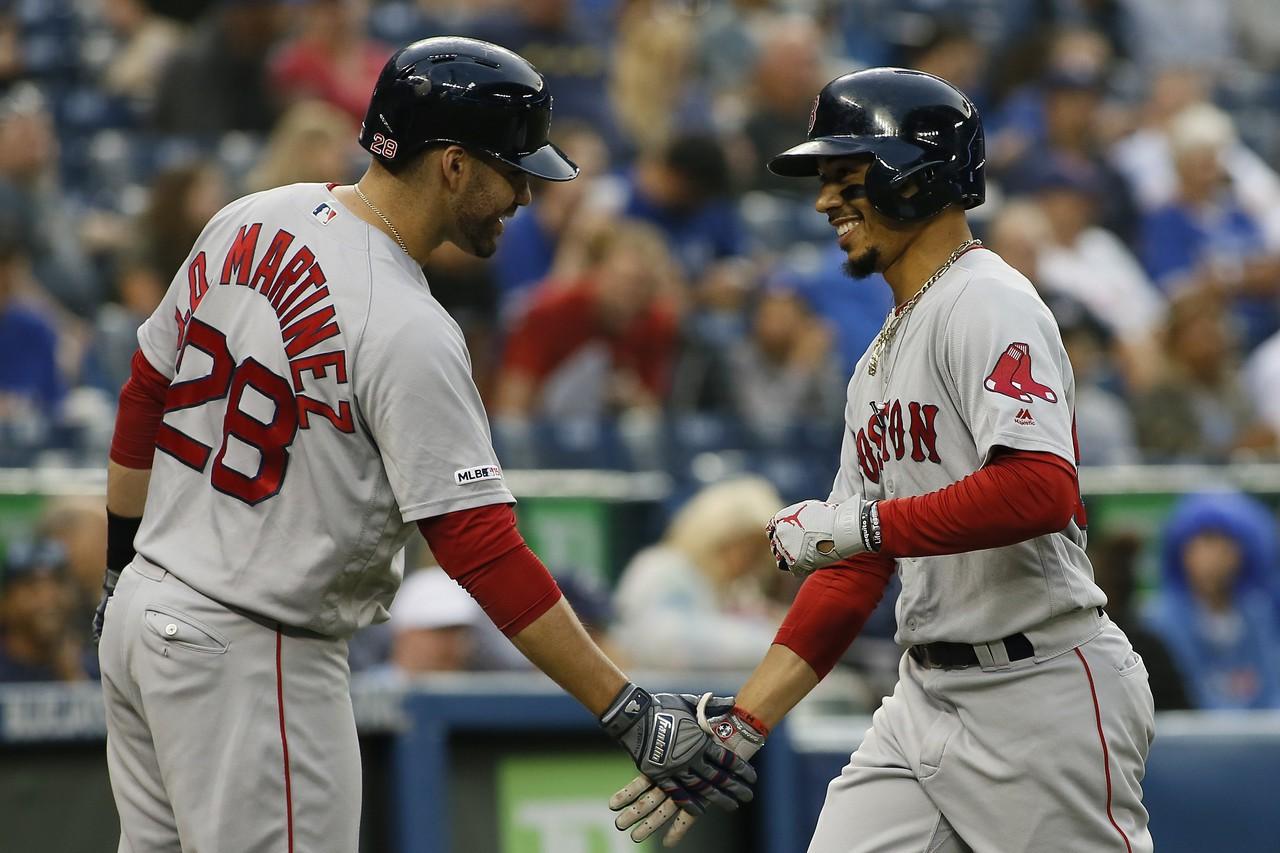 馬丁尼茲(左)可能會跳出合約,貝茲(右)則將成為自由球員,紅襪很難同時留住兩人。...