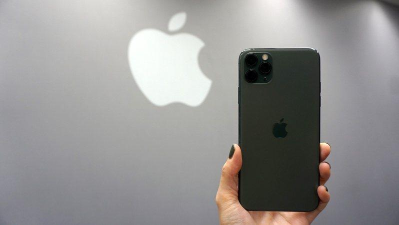 iOS11之後,iPhone舊換新資料移轉超簡單。記者黃筱晴/攝影