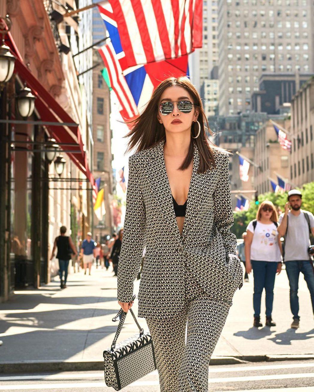 謝金燕出席紐約時裝周。 圖/擷自謝金燕IG