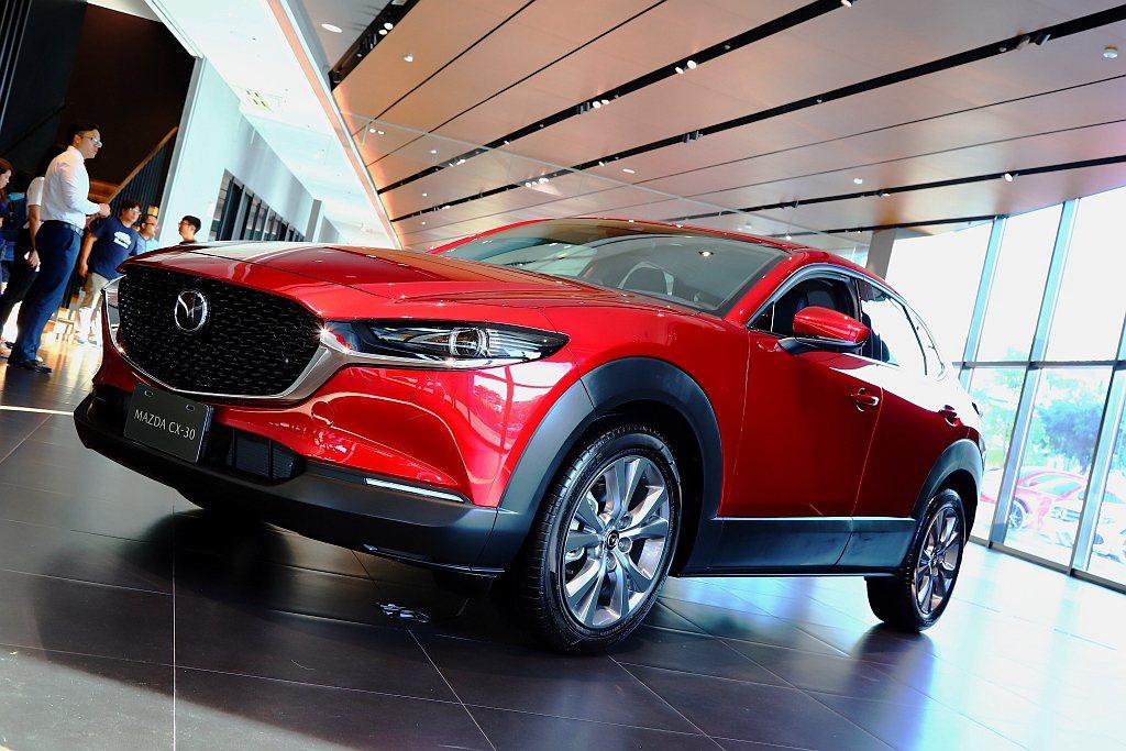 Mazda CX-30在售價方面入門車型有望壓在台幣100萬以內。 記者張振群/...