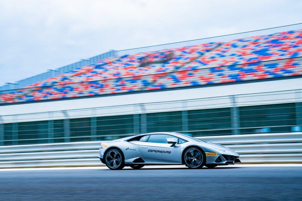 Lamborghini Huracán EVO 0-100km/h 加速僅需 2...